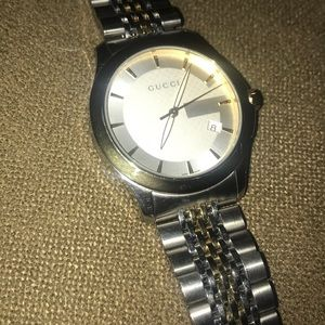 Gucci Mens watch. G timeless comes with box
